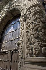 Puerta iglesia puebla