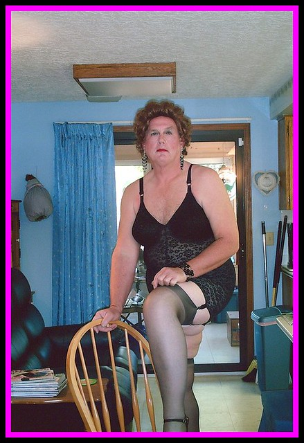 [Free putting on girdles shows, crossdressers wearing girdles videos]
