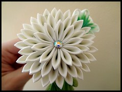 Chrysanthemum kanzashi photo by Hatsu-chan^^