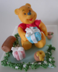 Winnie the Pooh topper cake photo by Le dolci creazioni di Michela