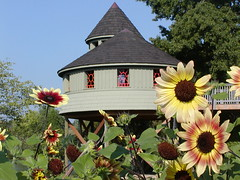 Summer Sunflowers Tree House