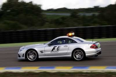 mercedes-benz-safety-car-2009-04