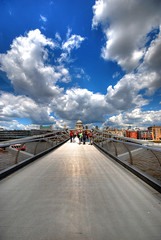 The Vanishing Bridge (aka the Millennium Bridge) - London photo by 5ERG10