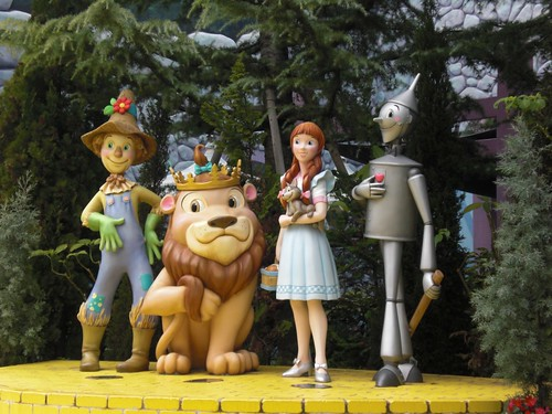Universal Studios Japan: Magical Oz-Go-Round