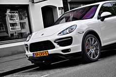 Porsche Cayenne Turbo 2010 photo by Thomas van Rooij