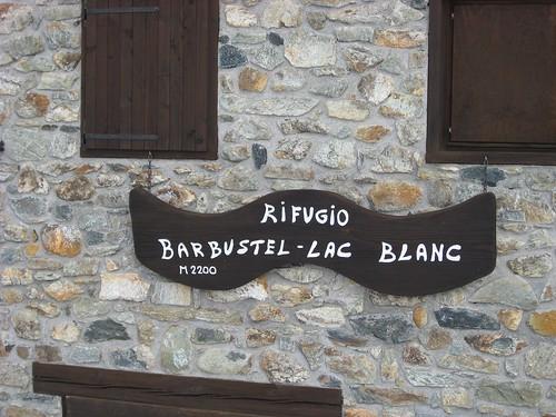 Rifugio Barbustel al Lac Blanc