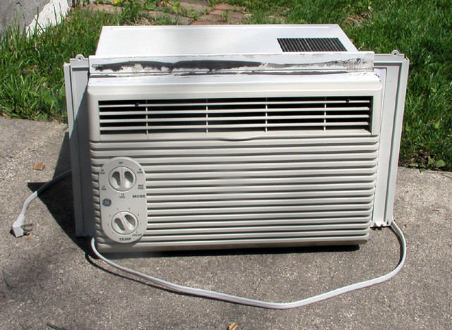 ROOM AIR CONDITIONERS» GE CARRY COOL WINDOW AIR-CONDITIONER