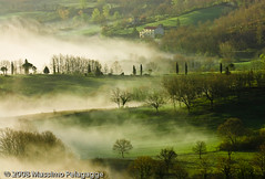 Brume in Toscana photo by Massimo Pelagagge