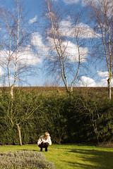 Christine in de tuin met polarisator