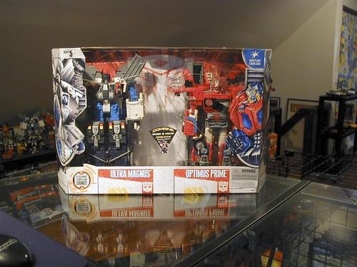 Costco Exclusive Ultra Magnus and Optimus Prime