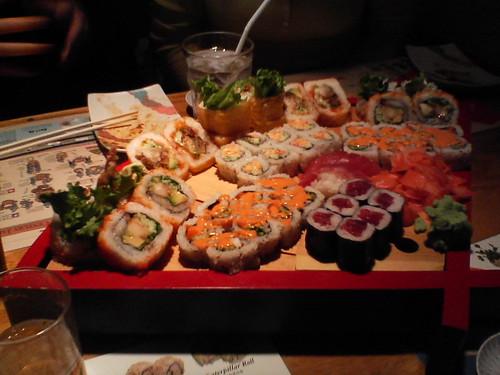 friday night mo-sushi
