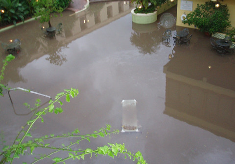Flooded pool