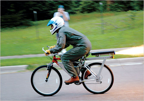 bicicleta con cohete