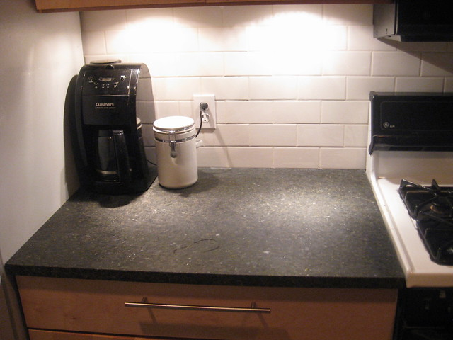 uba tuba granite countertop pictures with backsplash