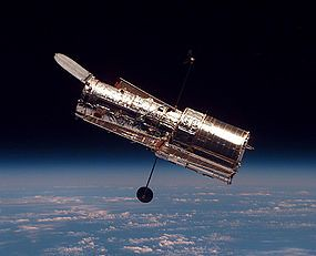 285px-Hubble_01
