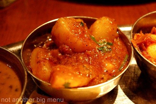 Curried potatoes - Masala Zone