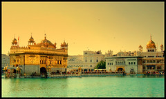 GOLDEN TEMPLE photo by manumint-[BUSY]