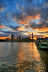 Sunset at the Houses of Parliament & Big Ben, London photo by 5ERG10