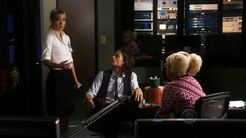 Criminal-Minds-5x02-Reid-JJ-Garcia