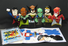 Justice League Bobbing-Head Heros photo by Custom Paper Toys
