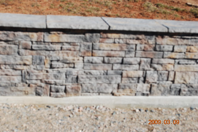 Tasman Appin Stone 1st Quality Full Retaining Wall Blocks