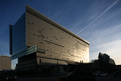 Thom Mayne and Morphosis, Caltrans Buiding, Los Angeles, 2006 photo by rpa2101
