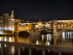 un Ponte Vecchio di Firenze photo by Massimo Carradori