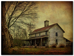 Woliver House photo by bluebird218 - off for a bit