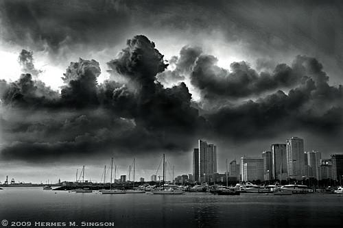 Manila Bay photo by Hermes Singson