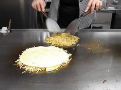 Okonomiyaki, process 4
