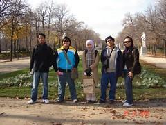 Bersama Arnee kat Parque del Retiro, Madrid, Spain