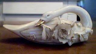 Vintage Swan Planter White
