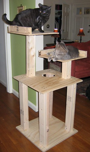 Cat Tree Plans This five-level cat tree,
