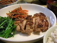 鶏肉の胡麻風味焼き