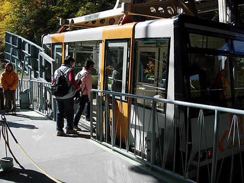 往黑岳站的纜車