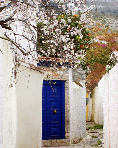 Doorway in Hydra (by RobW_)