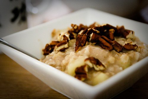 Apple Oats with Toasted Pecan
