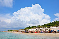 Sani Beach photo by Faddoush