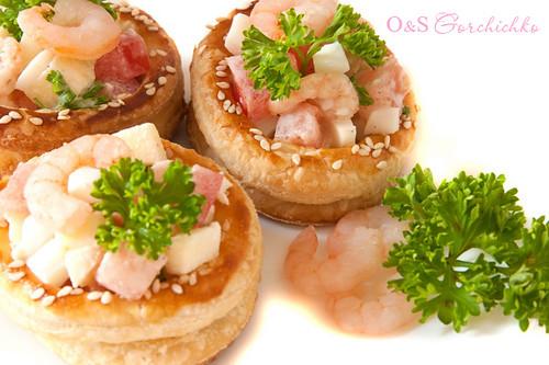 Валованы с салатом из креветок | Volauvenеs with shrimp salad