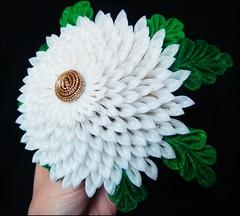 *Full Size Maiko Kiku (Chrysanthemum) Kanzashi* photo by Hatsu-chan^^