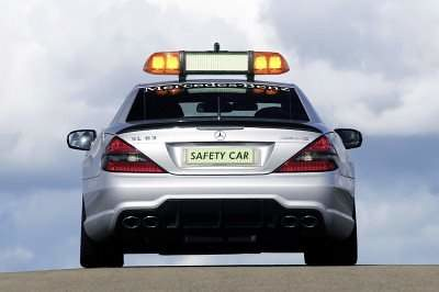 mercedes-benz-safety-car-2009-08
