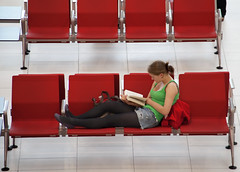 Girl reading a book photo by Ricardo Carreon