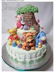 Baby Pooh Cake / Bolo photo by Dragonfly Doces