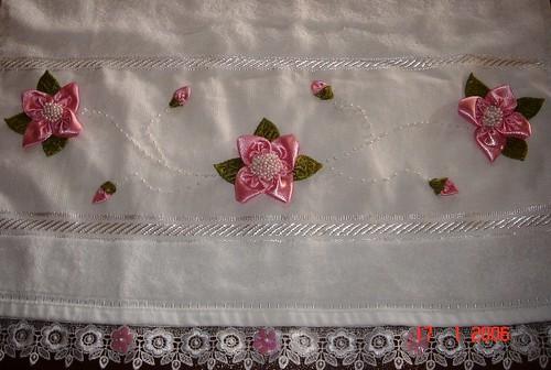 kurdele işi pembe çiçekli havlu