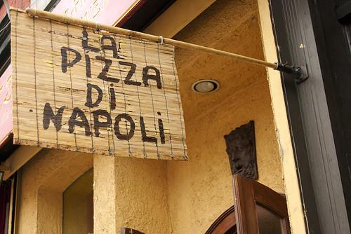 Luzzo's - La Pizza Di Napoli