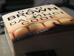 Book cover of The Da Vinci Code by Dan Brown