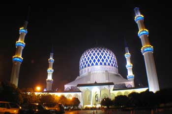 blue-mosque at shah alam