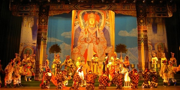 Performance: 'Ancient Tang-Tubo Road' (2)