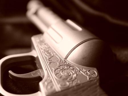 Revolver-Wallpaper