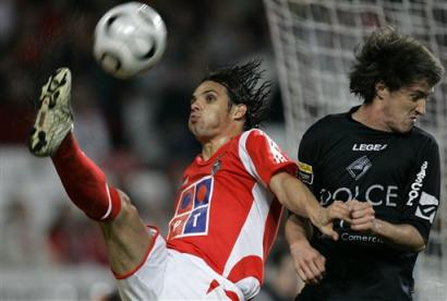 capt.xaf10201152203.portugal_soccer_xaf102[1]